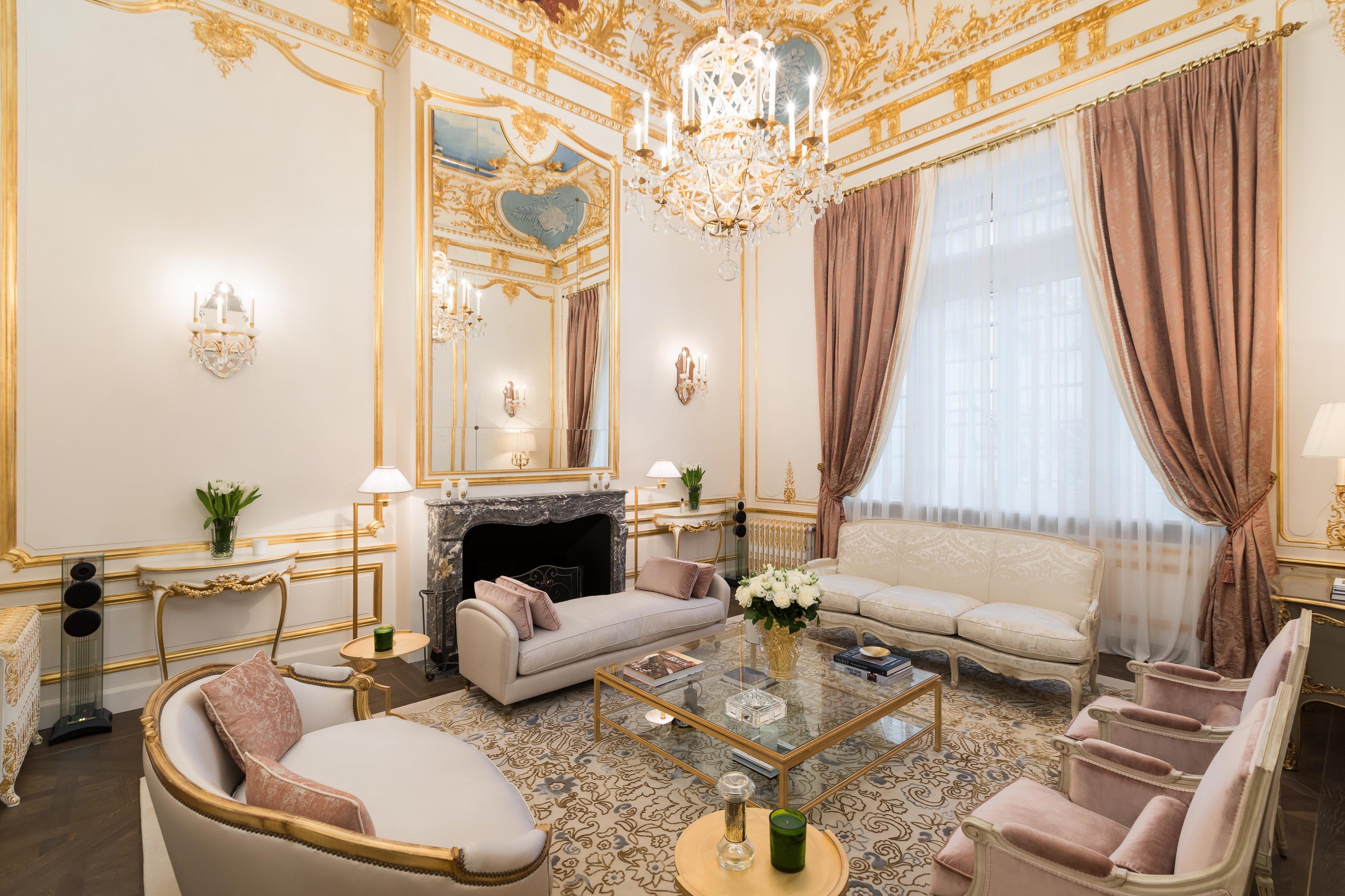 Paris 16th District Square De L Avenue Foch A Luxury Villa Townhouse For Sale In Paris Paris Property Id 3581566 Christie S International Real Estate